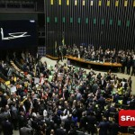 Deputados votam a favor do impeachment da presidente Dilma Rousseff